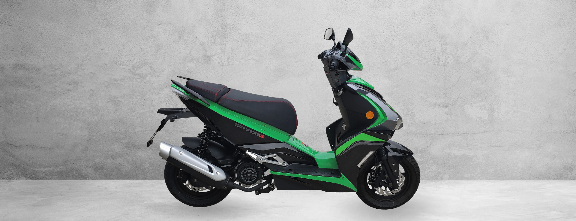 Nouveau scooter d'essence
